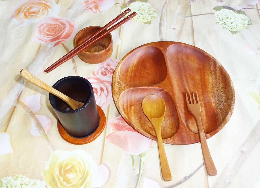 khay đựng thức ăn bằng gỗ
